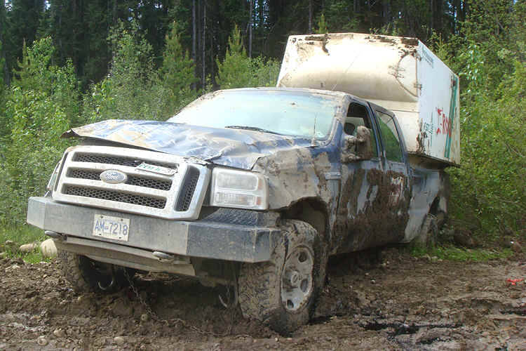 treeplanting truck stuck in mud 1